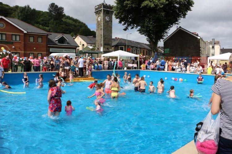 Lee Gardens Pool Opening