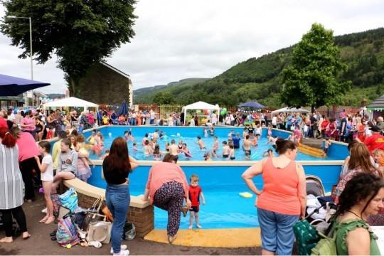 Lee gardens Pool