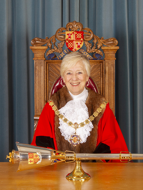 Mayor of Woking, Cll Beryl Hunwicks